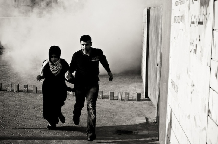 μπα8:Συγκρούσεις μεταξύ διαδηλωτών και αστυνομίας μετά από κηδεία στη Σίτρα, τον Ιανουάριο 2012